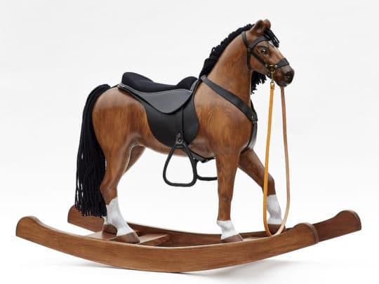Schaukelpferd aus Kiefernholz, Sitzhöhe 53 cm