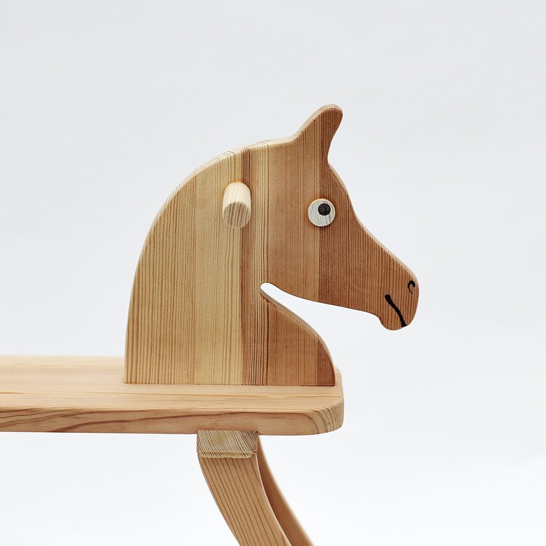Achal 15 - kleines Holzpferd